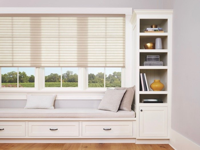 Bedroom Design With Window Treatments and Furnitures